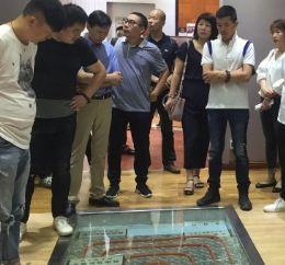 湖北省室内设计委员会何汉平秘书长一行莅临永吉地板考察穿墙套管